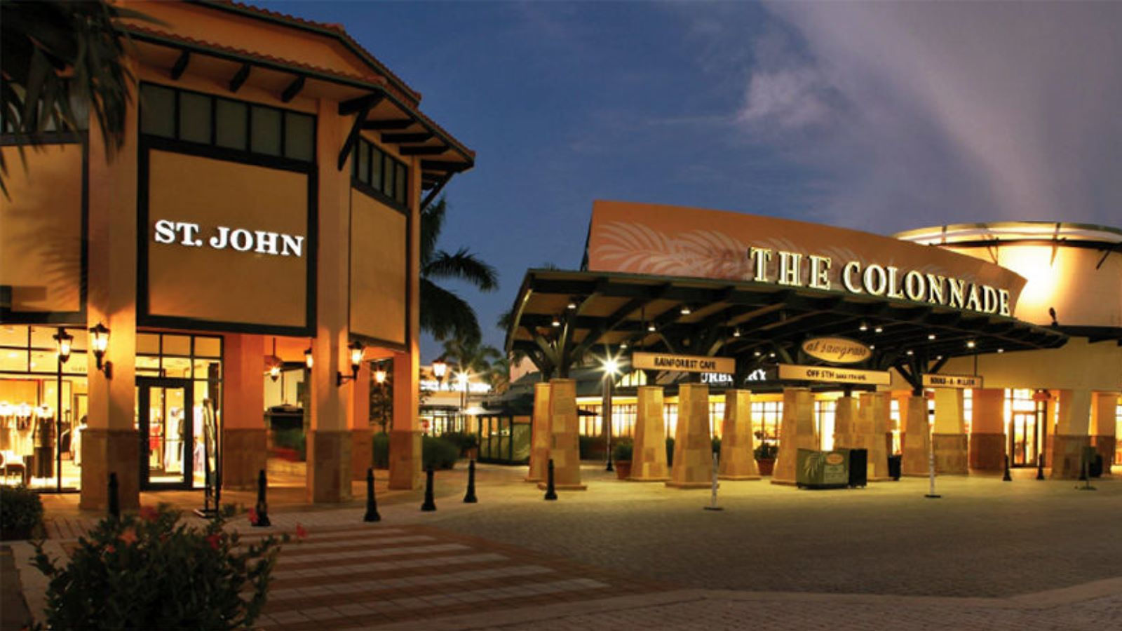The largest outlet mall in the nation and the sixth largest mall in the country, Sawgrass Mills has stores – not to mention an entire section devoted to dining and .